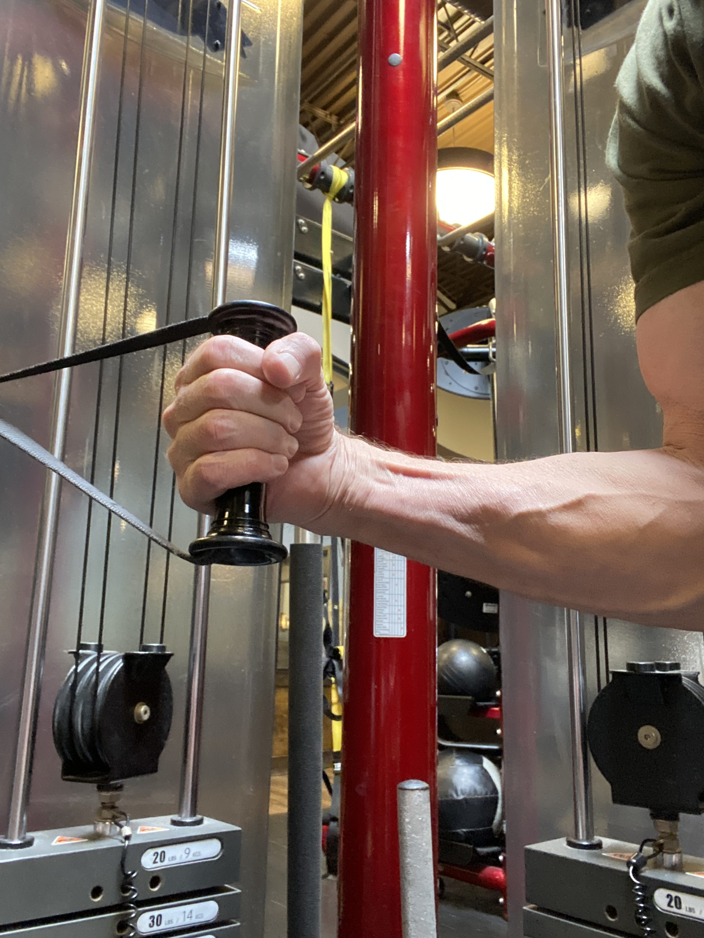 triceps cable kickbacks neutral grip