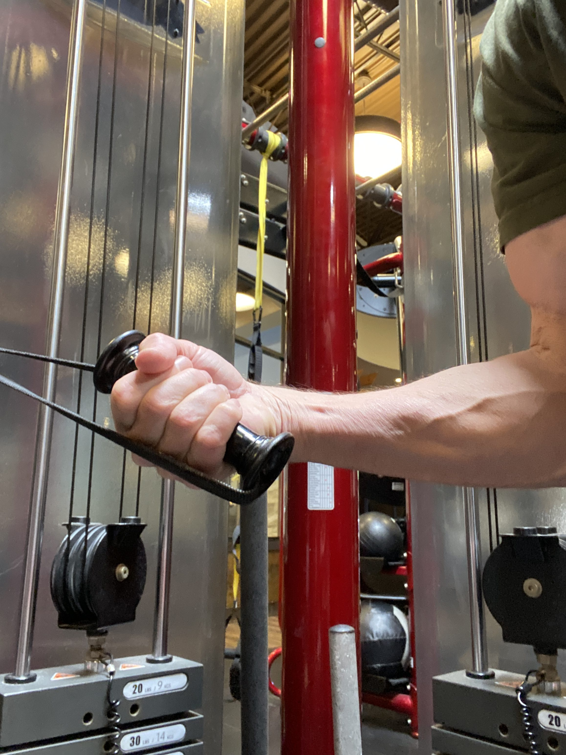 triceps cable kickbacks grip with attached handles